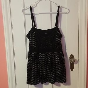 Torrid size 1 polka dot tank top with lace